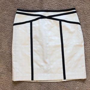 NWT Ann Taylor black linear white pencil skirt 10